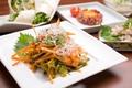 料理メニュー写真刺激的な辛さのイカフェ(韓国風刺身)