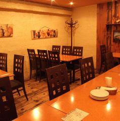 地下一階のテーブル席は全30席。もちろんこちらも20名以上で個室感覚になります!早めのご予約をお待ちしております。
