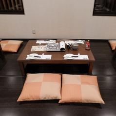 4名様の掘りごたつタイプのお席です。※テーブルの移動・連結で大人数のご宴会も可能です。