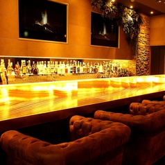 重厚感のあるソファータイプのお席はデートにもお食事会にもご利用いただけます。
