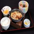 料理メニュー写真かつ鍋定食