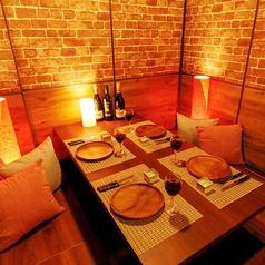 4名様個室。テーブル席タイプ・掘りごたつタイプの個室がございます。※写真は系列店です。