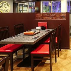 ラムしゃぶと中国火鍋の店 HINABEYA ひなべやの雰囲気1