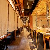 一歩室内に入れば、上質なデザイナーズ空間の店内! 重厚で高級感のある落ち着いた雰囲気。