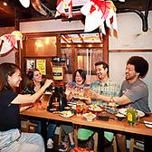 大勢でワイワイ楽しめるテーブル席は2~8名様にてご利用可能です。