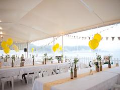 ◆テラス:パーティ◆最大80名のパーティー可能なテラス席。間近で海を感じながらお楽しみいただけます。
