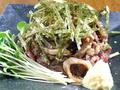 料理メニュー写真【一押しの逸品】宮崎地鶏もも元祖タタキ