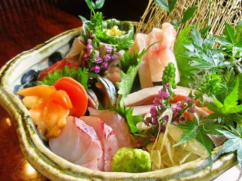 プチ贅沢ができる大人の隠れ家。美味しい旬の素材を生かしたお寿司が堪能できるお店。