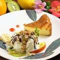 料理メニュー写真のんちゃんのベイクドチーズケーキ(アイス添え)