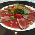 料理メニュー写真鴨の蒸し焼きサングリア風 サラダと共に