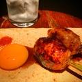 料理メニュー写真[鶏]つくね 甘醤油ダレ卵黄添え