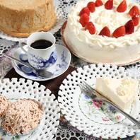 カフェ、スイーツ、記念日ケーキもやってます!