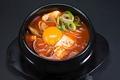 料理メニュー写真純豆腐/キムチチゲ/ユッケジャンスープ/カルビタンスープ/コムタンスープ