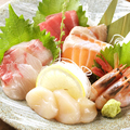 料理メニュー写真魚河岸からお刺身5種盛り合わせ/3種盛り合わせ
