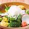 兵庫野菜はもちろん、旬の素材をご提供しております。それぞれの味を最大限に引き出すため、食べ頃の見極めにも自信あり!
