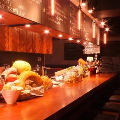 カウンターで気軽にパスタやワイン、洋風肉寿司をお楽しみください★ドリンクメニューも充実しています。