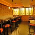 【テーブル席】2名様~OK!少人数でもご利用頂けるテーブル席です。昭和レトロな雰囲気が素敵。