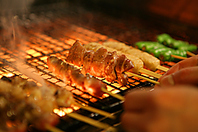 こだわりのうなま備長炭で焼き上げる串焼き。