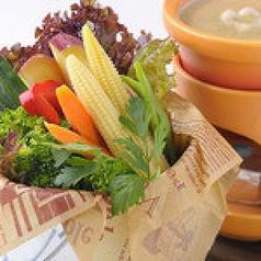 料理メニュー写真季節の野菜バーニャカウダ