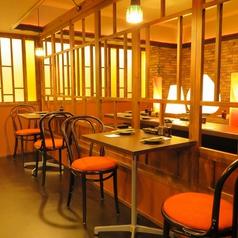 【テーブル席】サク飲みに最適なテーブルのお席。デート利用にも◎