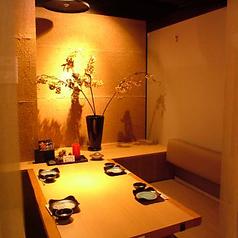 4名様対応のテーブル席もご用意。和の雰囲気がある席になっています。素敵な空間と一緒にお料理をお楽しみ下さい。
