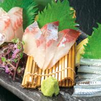 人気の新鮮魚介メニューを用意!【本日の刺身】を堪能♪