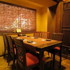 【個室】ご家族のお食事にも最適なテーブル個室のお席。周りを気にせずお食事をお愉しみ頂けます。