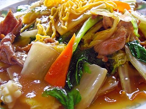 ボリューミーな中華料理が楽しめ、温かい笑顔でもてなしてくれるアットホームな店。