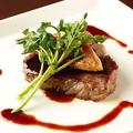 料理メニュー写真フォアグラとブラックアンガス牛のステーキ(ロッシーニ風)