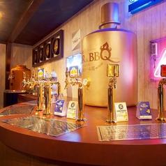 セルフスタイルのドリンクバーは、非日常感を味わえるビールサーバーを自分で注げます♪サワーやカクテル、サングリアなど豊富なドリンクを取り揃えておりますので、自分だけのオリジナルカクテルを作るのも楽しみの一つですね♪