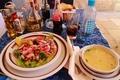 料理メニュー写真いろんな具の入ったサラダ