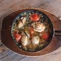 料理メニュー写真カキとトマトのチリージョ