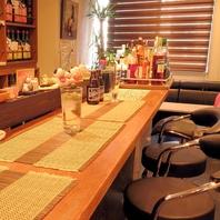 カウンター席で気軽に味わうアジアン料理店☆