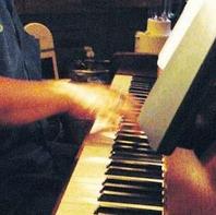 プロピアニストによる音色を楽しめます♪