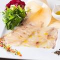 料理メニュー写真淡路島とらふぐ シンプルなカルパッチョ