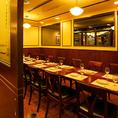 12~16名様でご利用いただけるテーブル個室です。 6~8名様の個室とつなげることにより最大26名様までご利用いただける当店1番人気の個室です。