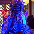 一瞬で仮面が変化!!!マスクを一瞬のうちに変えて怒りや恐れ、絶望などの喜怒哀楽を表現!その圧倒的な技術とパフォーマンスに中国が積み重ねてきた歴史の重みをかんじます!