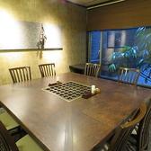 落ち着いた雰囲気のテーブル個室。大人数でご利用いただけます。