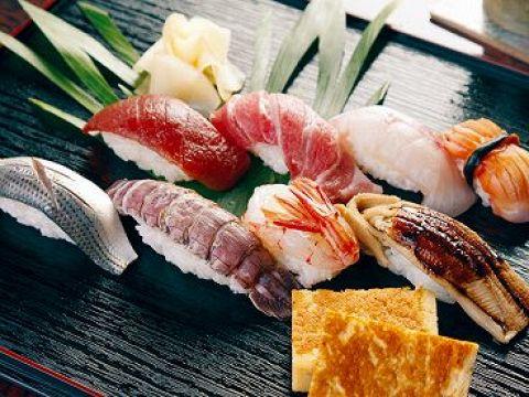 金沢駅から徒歩3分 北陸の良質な魚を取り揃えて、お待ちしています