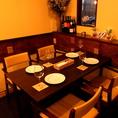 ゆったりとしたテーブル席は、大切な記念日にもご利用いただける落ち着いた雰囲気。