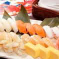 ビュッフェコーナーには蟹だけではなく一品料理も。サラダやこだわりの天麩羅、お寿司など人気メニューもご用意しております。