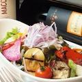 料理メニュー写真グリル野菜を使った15品目の具沢山サラダ