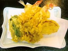 料理メニュー写真てんぷら(海老、鱚、野菜3点)