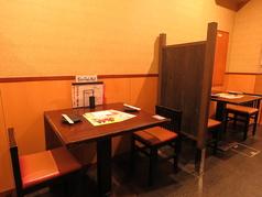 2名様用のテーブル席もございます!