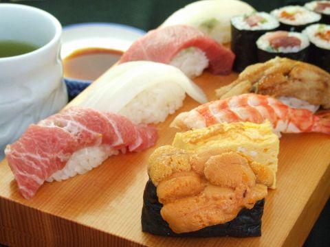 行列ができる話題の寿司店。