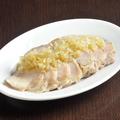 料理メニュー写真蒸し鶏胡麻だれバンバンジー/蒸し鶏ネギだれ 各