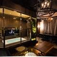 石張りのお部屋には煌びやかなシャンデリアが☆テーブルのお席となっていて各種宴会にはピッタリです!カラオケも完備されています。