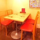 2名様がけテーブルは1卓ございます。テーブル希望のお客様は事前にお問い合わせ下さい♪※写真は4名様がけテーブル