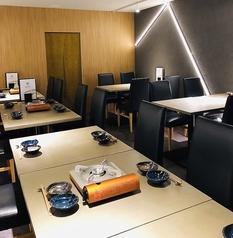 女子会・デート・部署内でのご宴会など...各種ご宴会に使って頂きやすいテーブル席。2名様からのご予約頂けます。