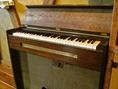 アンティーク風のピアノ